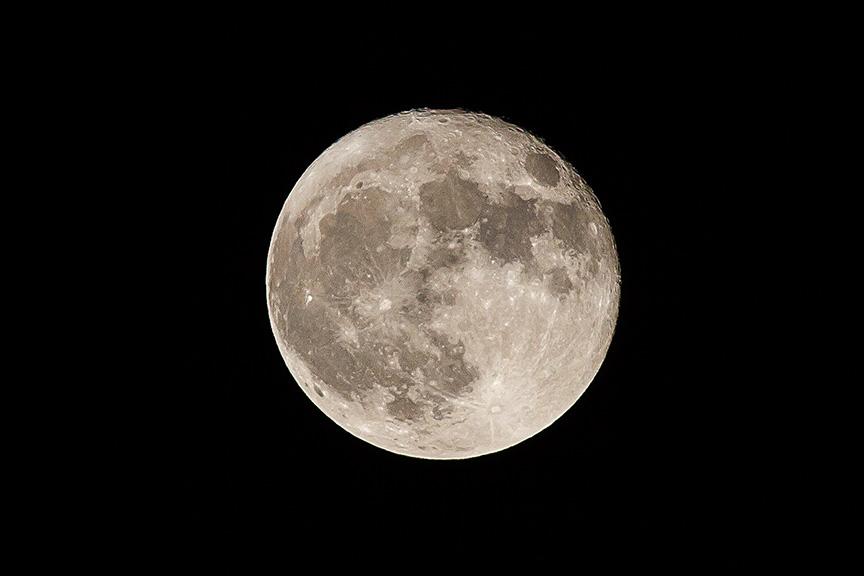 moon-10-16-16-v1_mg_8570
