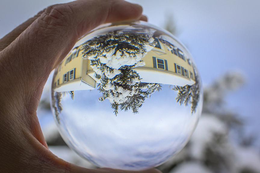 Globe Reflection v1_43G4428