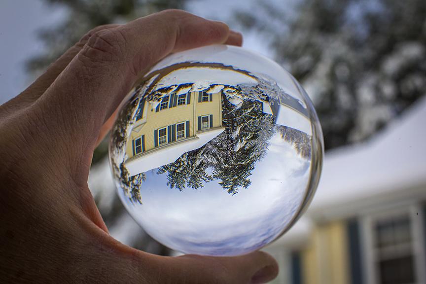 Globe Reflection_v2 43G4440