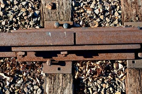 a_Rusted Tracks_38mm_80I2309