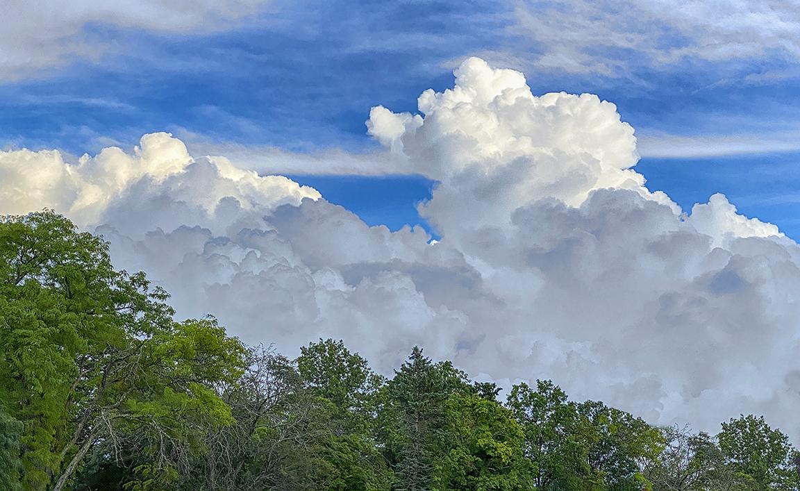 Clouds 3_iP11_Pro_6mm +213_digial zoom_